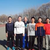 篮球学员勇夺冠军